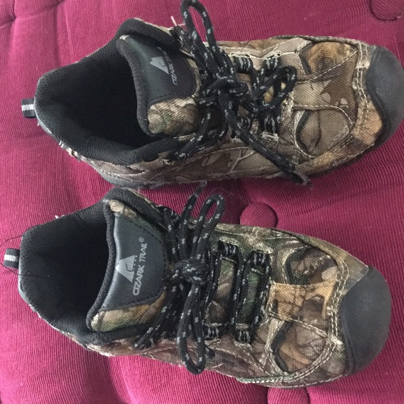 Ozark Trail Other - Ozark Trail boy hiking shoes in camo size 13